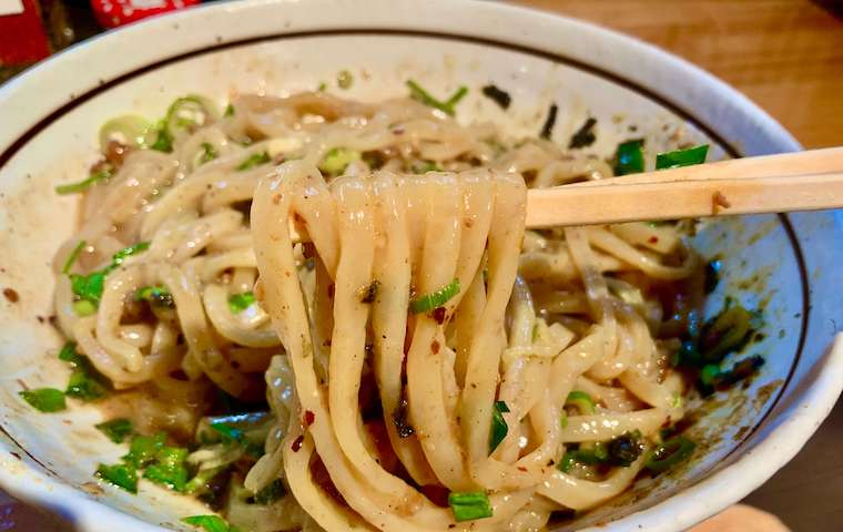 濃厚坦々麺はなびの台湾まぜそばの麺